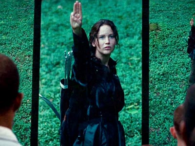 3-Finger-Salute-katniss-everdeen-31927635-400-300